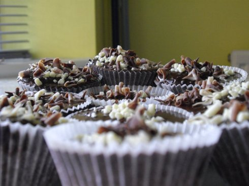 Chocolate cupcakes with milk choc & white choc shavings