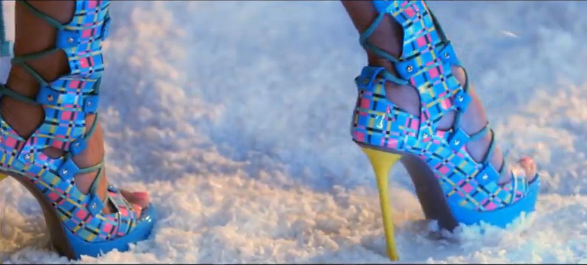Nicki Minaj Super Bass Fashion Feli Fashion